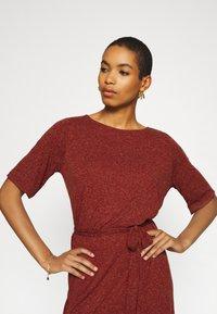 Selected Femme - SLFIVY BEACH DRESS - Žerzejové šaty - red - 5
