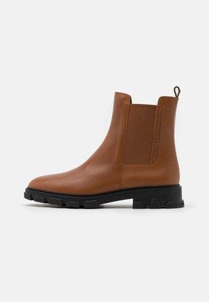RIDLEY BOOTIE - Kotníkové boty - brown