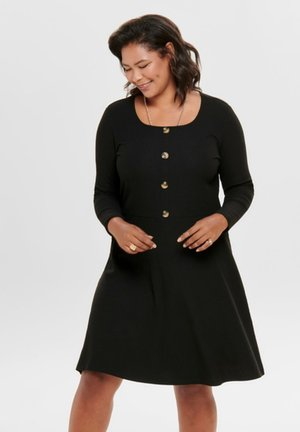 MIT LANGEN ÄRMELN CURVY - Pletené šaty - black