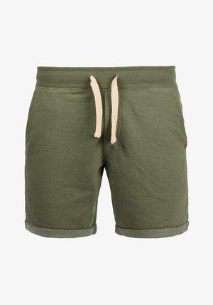 SWEATSHORTS TIMO - Shorts - ivy green
