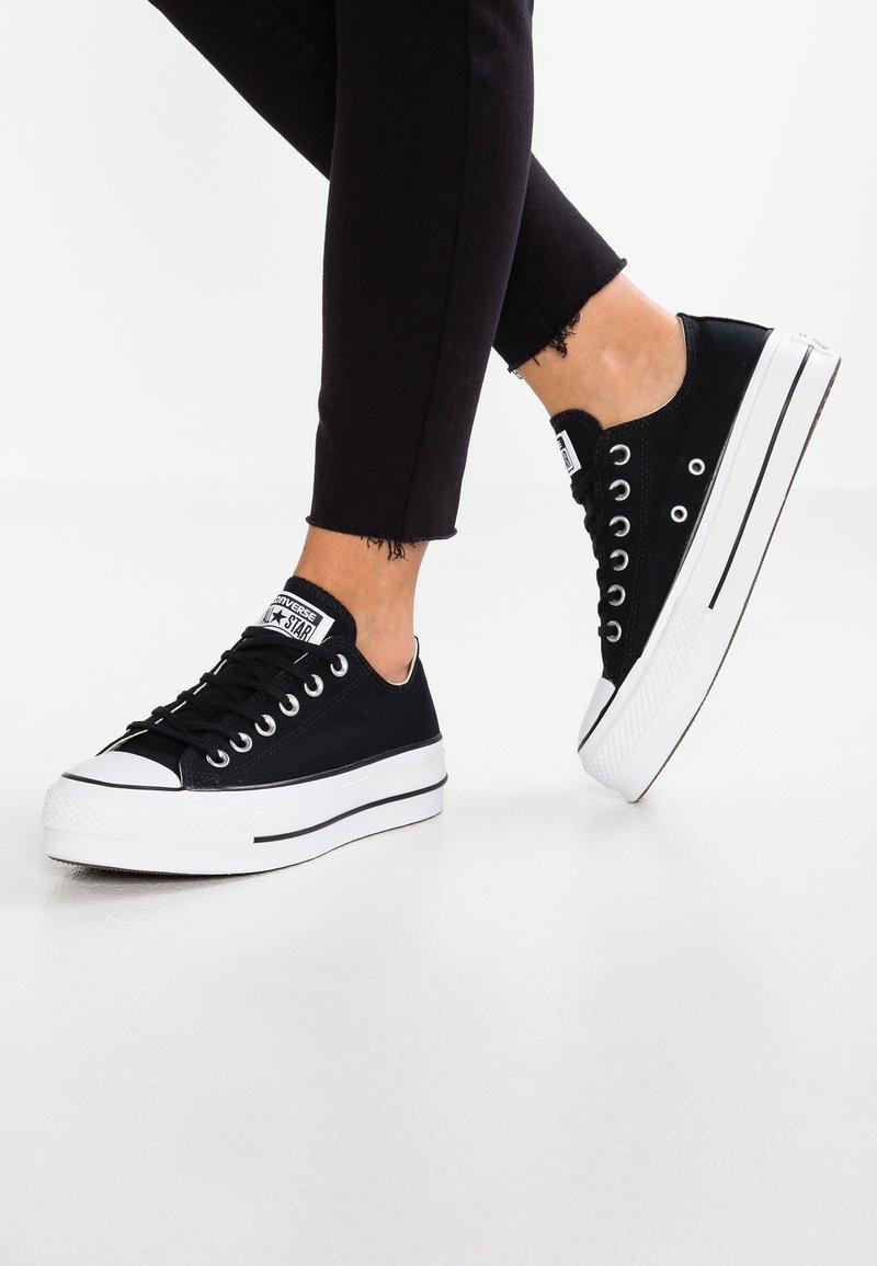 Converse - CHUCK TAYLOR ALL STAR LIFT - Sneakersy niskie - black/garnet/white