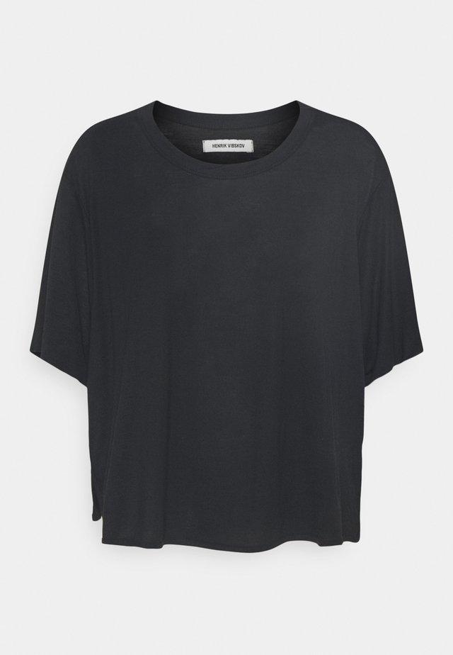 STONE GRABBER TEE - Print T-shirt - black