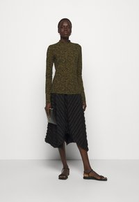 Proenza Schouler White Label - ABSTRACT SWIRL SHEER STRETCH - Long sleeved top - military/black - 1