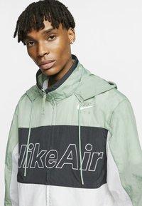 Nike Sportswear - NSW NIKE AIR  - Outdoor jacket - silver pine/black/white - 3