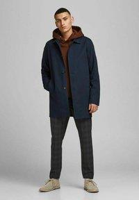 Jack & Jones PREMIUM - JJCAPE - Short coat - navy - 1