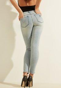 Guess - Slim fit jeans - himmelblau - 2