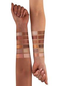 Luvia Cosmetics - ROMANTIC BAROQUE - Lidschattenpalette - - - 2