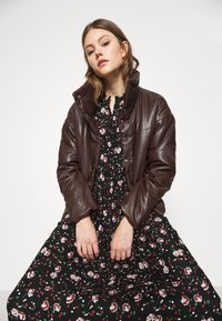 Vero Moda - VMFLORA MAXI DRESS - Maxi dress - black - 3
