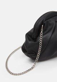 Núnoo - MINI SAKI - Across body bag - black - 3
