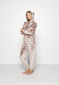 Loungeable - REINDEER LUXURY ONESIE ANTLER - Pyjama - brown - 1