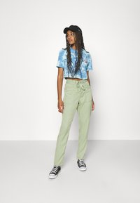 Pepe Jeans - DASH - Trousers - palm green - 1
