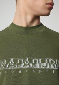 Napapijri - BALLAR - Sweatshirt - green cypress - 2