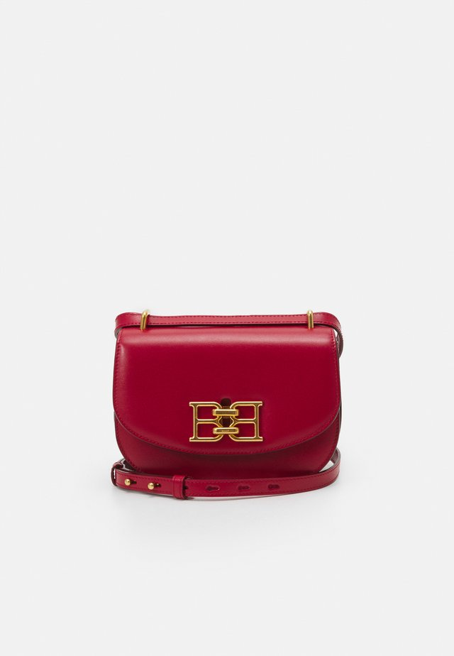 CHAIN MINI BAG - Borsa a tracolla - lipstick