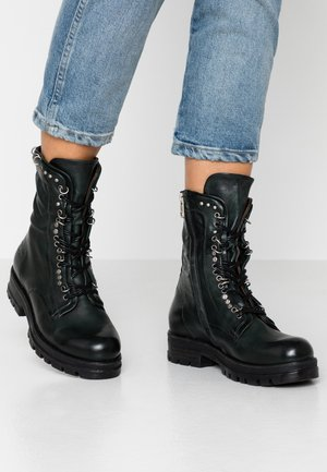 Cowboy/biker ankle boot - balsamic