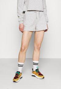 Pieces - PCCHILLI  - Shorts - grey - 0