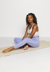 Nike Performance - YOGA LUXE 7/8 - Legging - light thistle/sapphire - 1