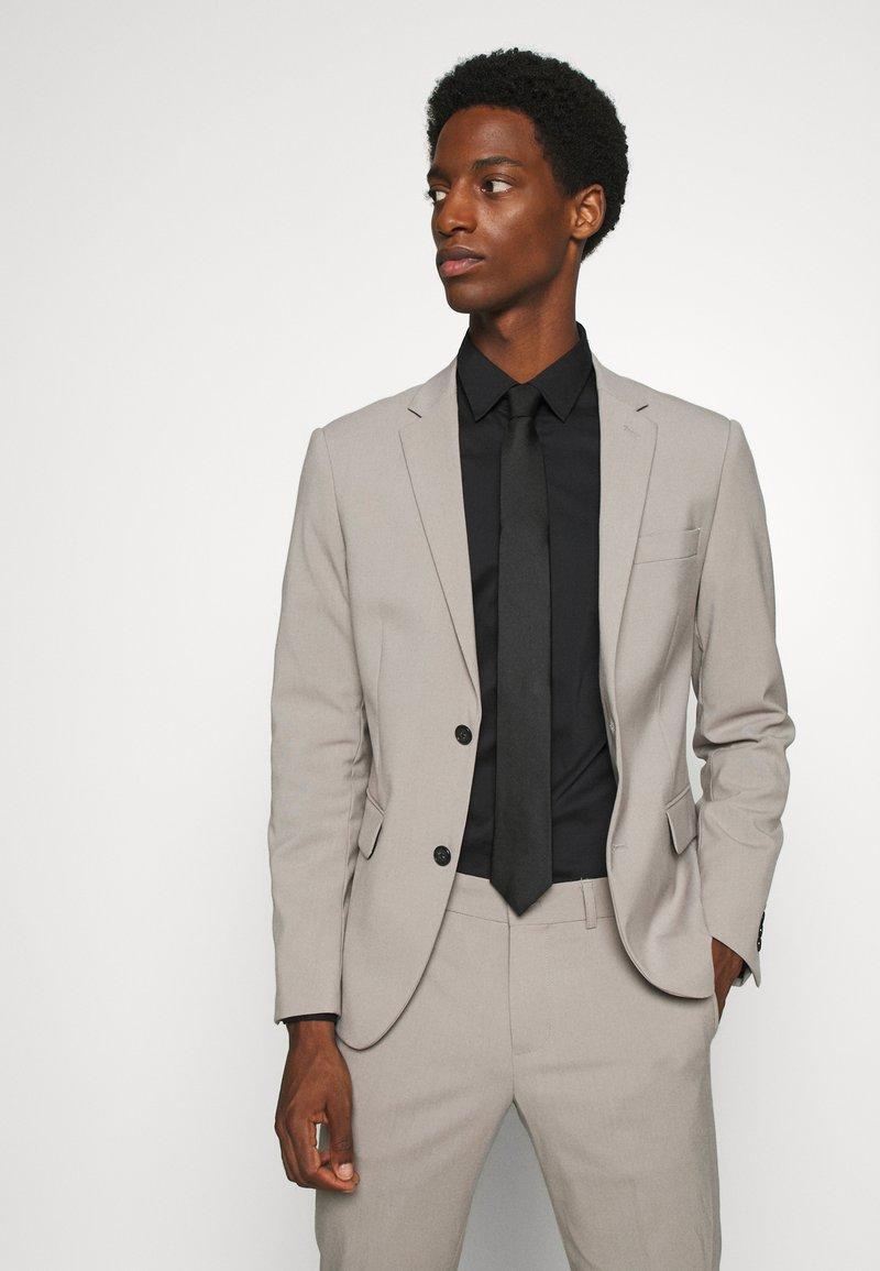 Calvin Klein - OXFORD SOLID TIE - Cravate - black
