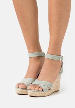 ONLAMELIA LIFE STITCH  - Platform sandals - green