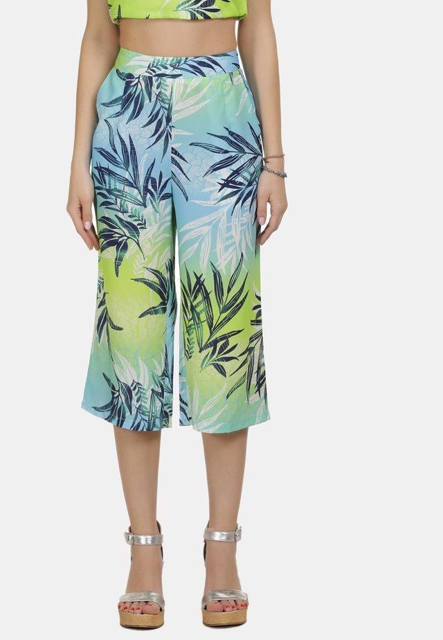 IZIA CULOTTE - Pantaloni - tropical print