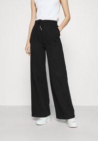 Gina Tricot - BONNIE - Teplákové kalhoty - black - 0