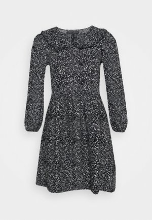 COLLAR FIT AND FLARE - Day dress - black