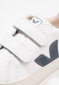 Veja - ESPLAR SMALL - Trainers - extra white/nautico pekin - 5