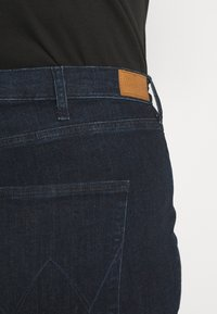 Wrangler Plus - Skinny džíny - summer rinse - 4