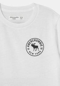Abercrombie & Fitch - LOGO  - Print T-shirt - white - 2