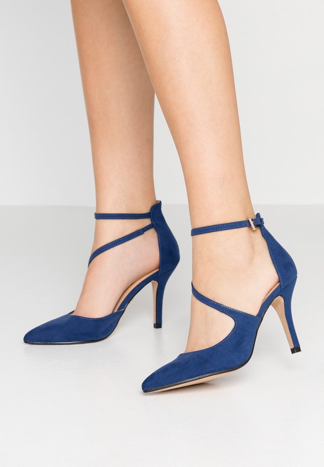 Højhælede pumps - navy dark