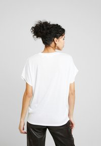 Ted Baker - LAALI - Print T-shirt - white - 2