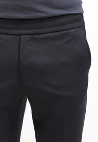 Filippa K - TERRY  - Trousers - navy - 4
