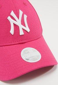 New Era - Czapka z daszkiem - yankees pink/optic white - 4