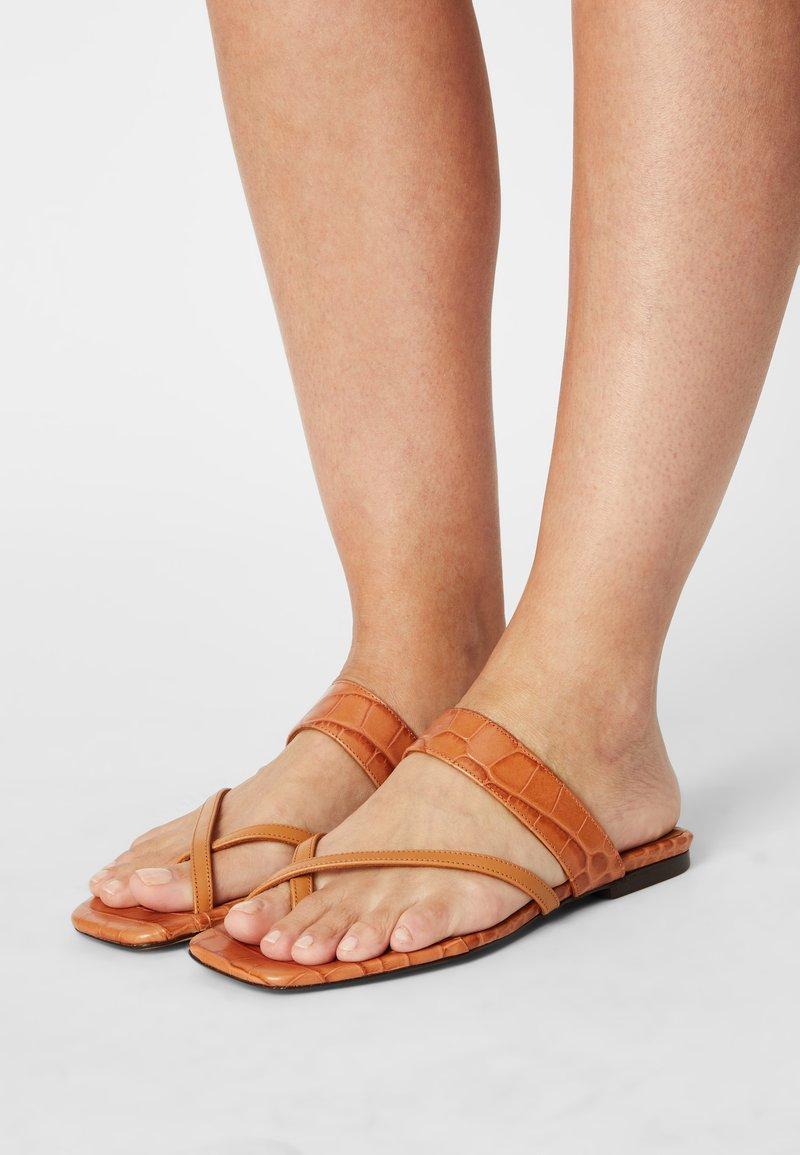 Toral - T-bar sandals - seta miel/coco cindy/marron