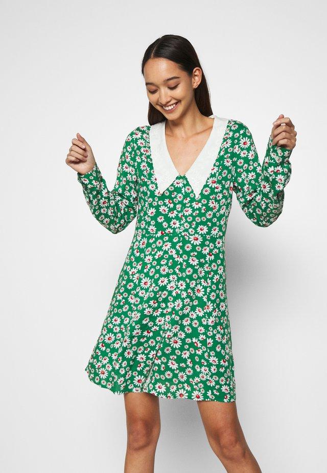NOOMI DRESS - Paitamekko - green
