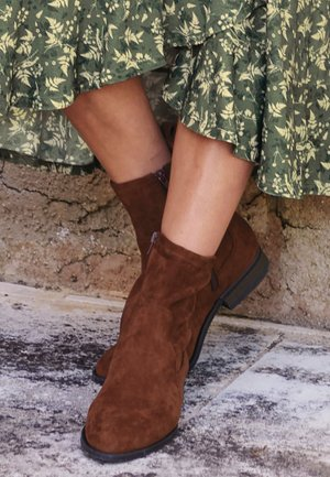 FOREVER COMFORT - Classic ankle boots - brown