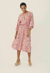 Part Two - HILAL - Day dress - flower print, sea pink - 0