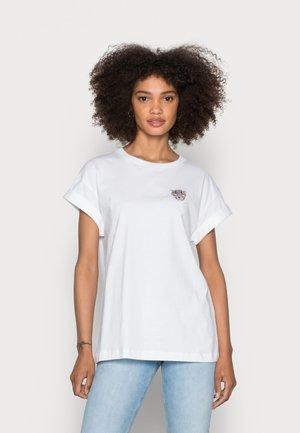 BOYFRIEND SPARKLE ORGANIC SHIRT - Print T-shirt - toffee