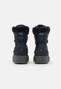 Tommy Hilfiger - KELLY  - Winter boots - desert sky - 3
