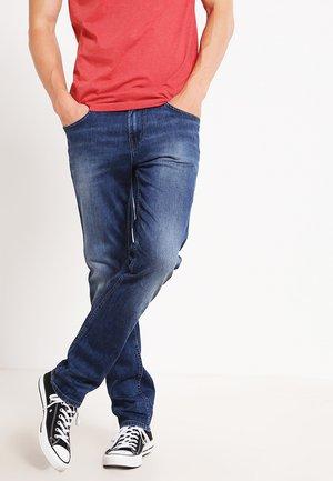 AEDAN - Slim fit jeans - mid stone wash denim