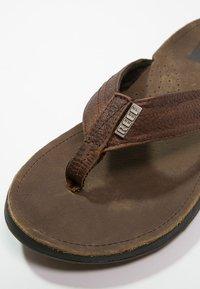 Reef - J-BAY - Sandály s odděleným palcem - camel - 5