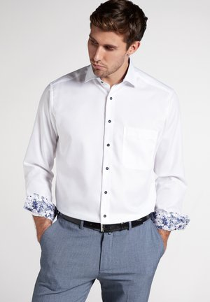 COMFORT FIT - Shirt - white