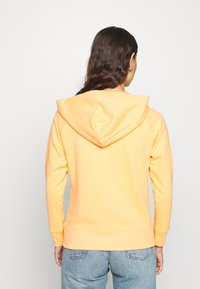 GAP - FASH - Zip-up hoodie - icy orange - 2