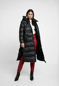 Hunter ORIGINAL - WOMENS ORIGINAL PUFFER COAT - Winter coat - black - 0