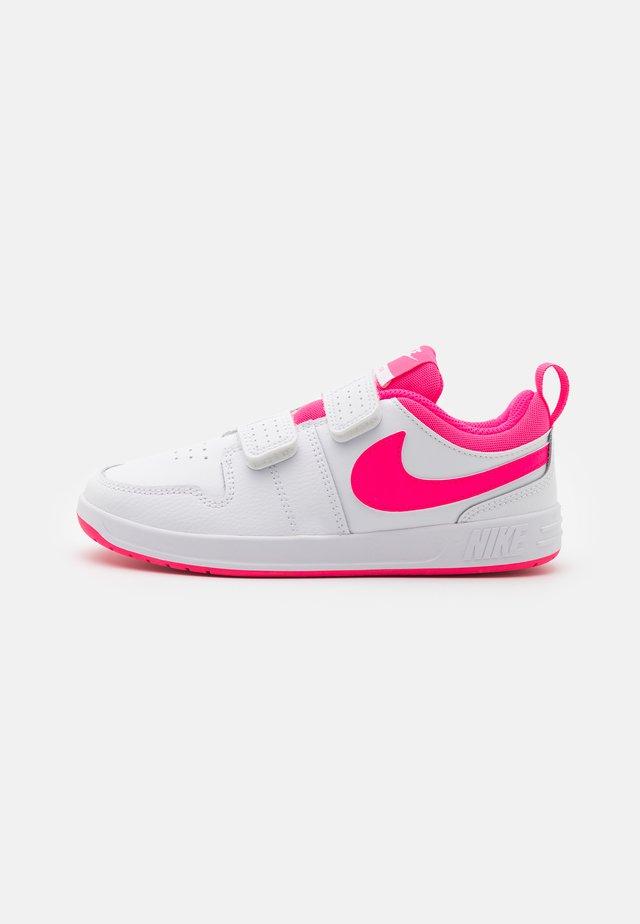 PICO 5 UNISEX - Chaussures d'entraînement et de fitness - white/hyper pink