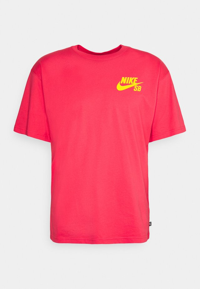TEE LOGO UNISEX - T-shirt print - fusion red/university gold