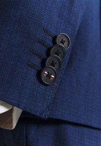 Tommy Hilfiger Tailored - PIECE WOOL BLEND SLIM SUIT - Garnitur - blue - 13