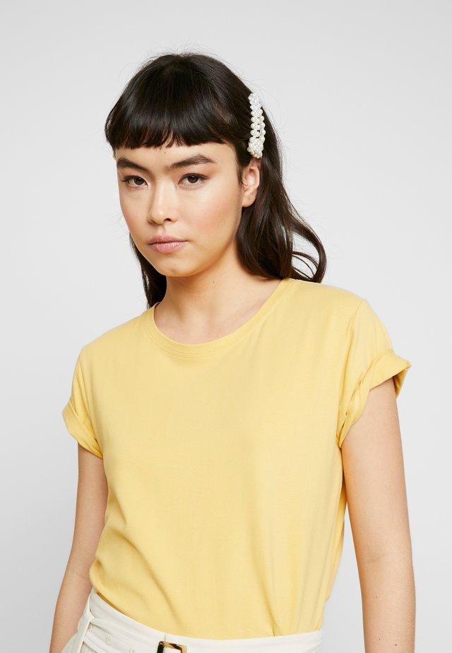 SRELLE - Camiseta básica - ochre