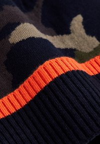 WE Fashion - JONGENS MET LEGERDESSIN EN TAPEDETAIL. - Beanie - dark blue