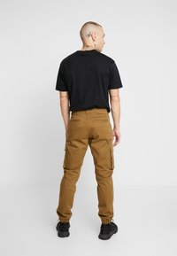 Only & Sons - ONSCAM STAGE CUFF - Cargo trousers - kangaroo - 2