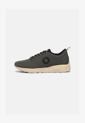 OREGON - Sneakersy niskie - khaki